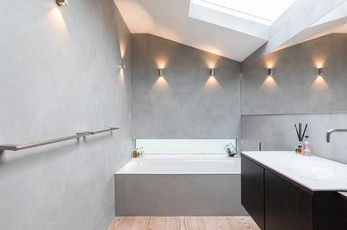 Koupelna ve stěrce Microstone- realizace Londýn 2017