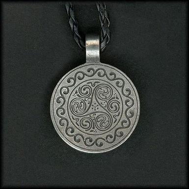 CELTIC Necklace - Traditionnal Triskelion