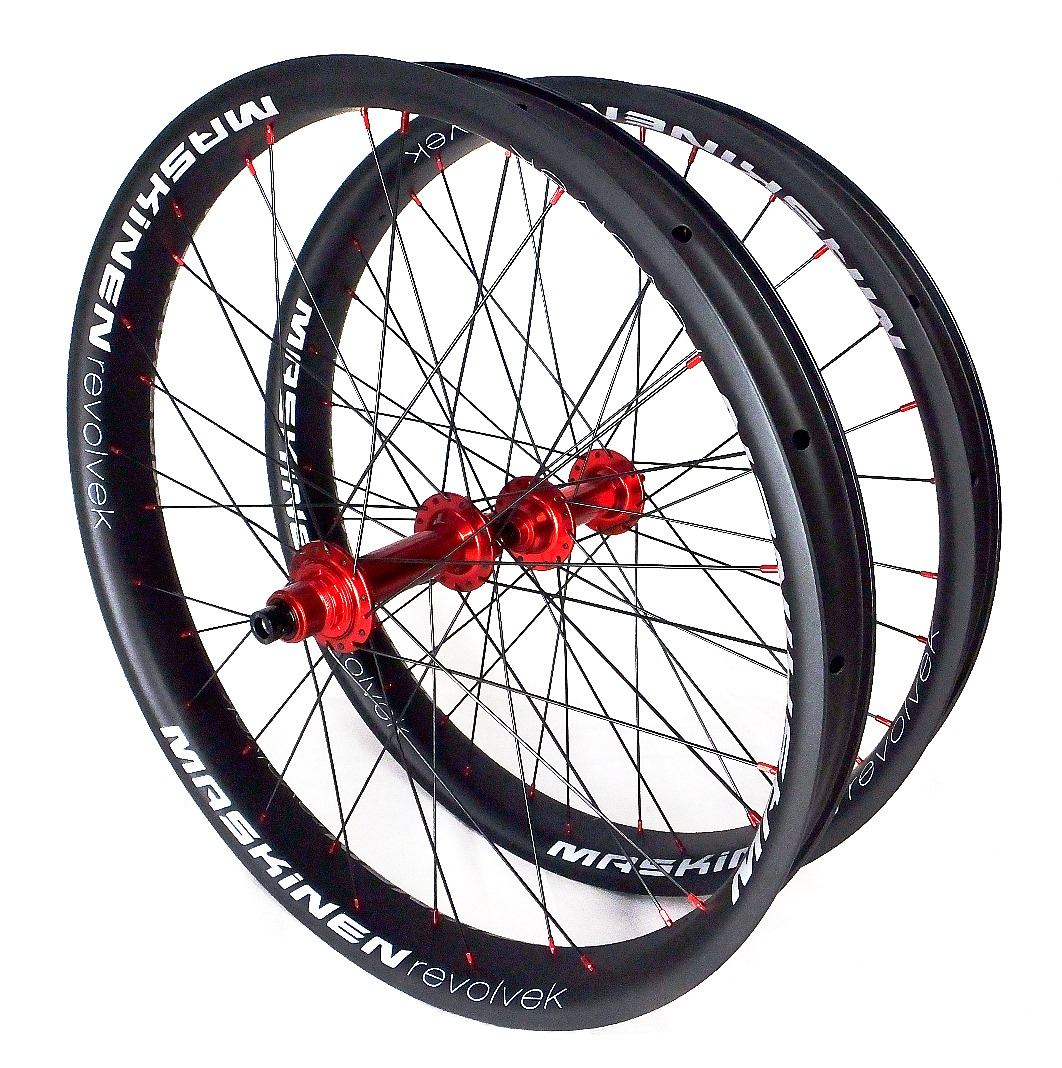 Maskinen revolvek - carbon wheels