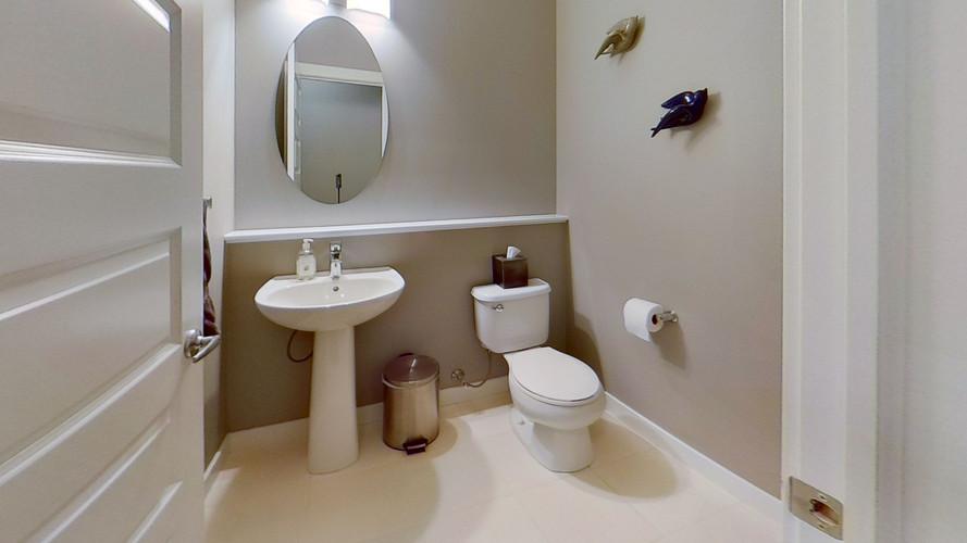 2229-Calhoun-Link-SW-Bathroom-2.jpg