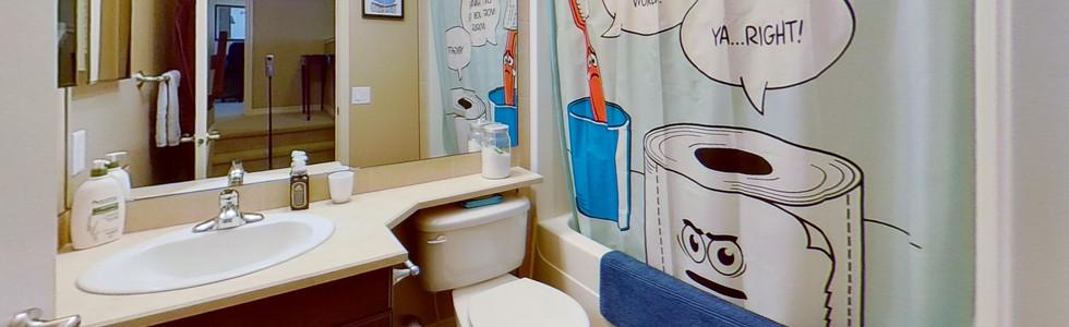 49-Birchwood-Dr-Bathroom.jpg