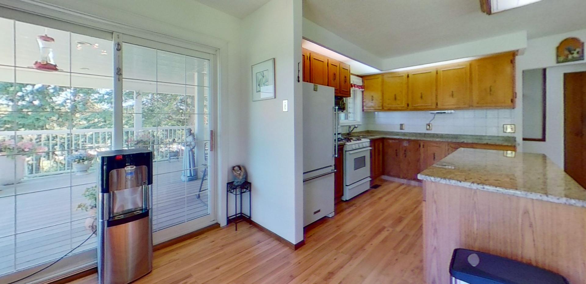 1300-Beachview-Cres-Kitchen.jpg