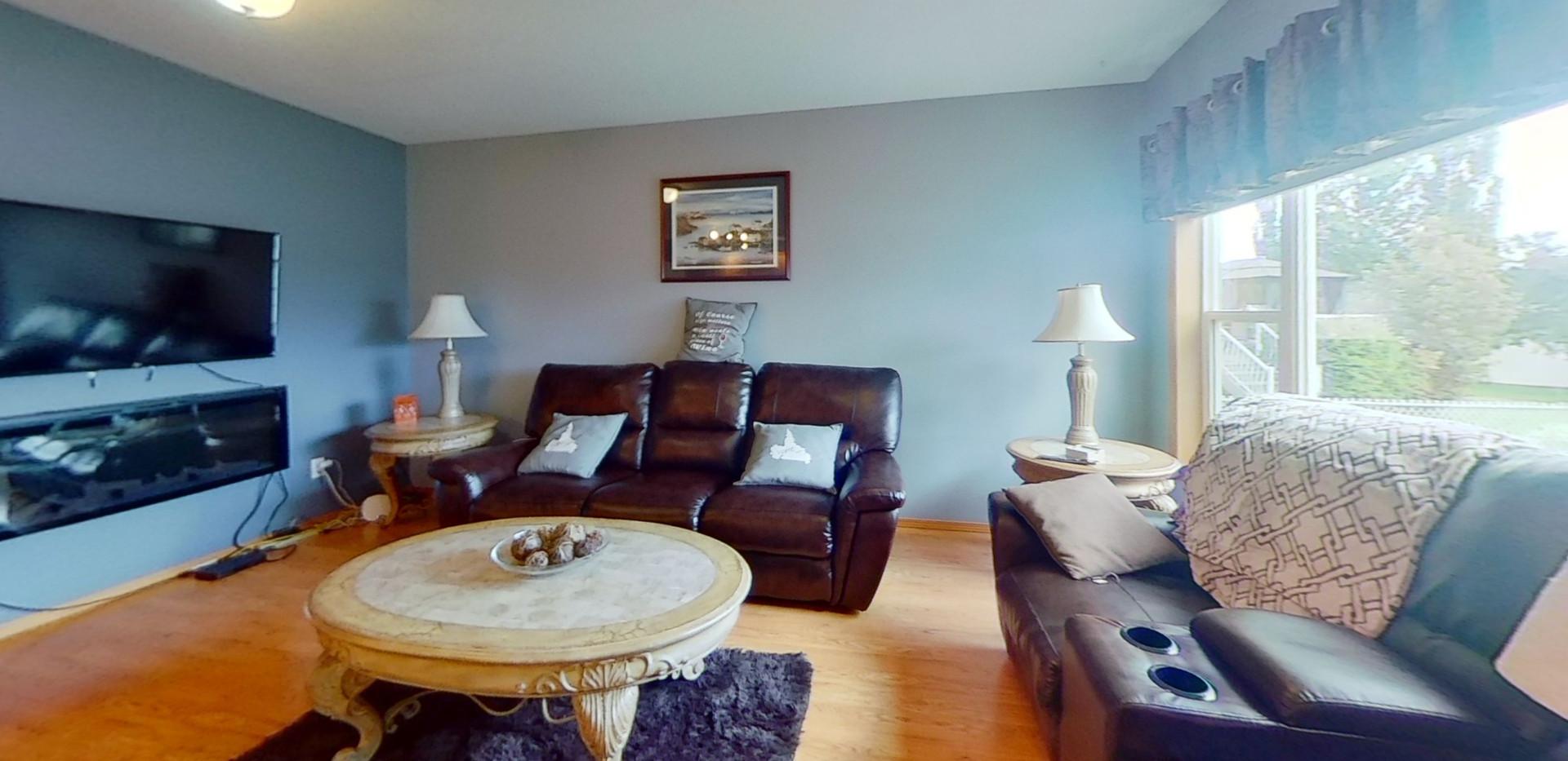 1139-Oakland-Dr-Living-Room.jpg