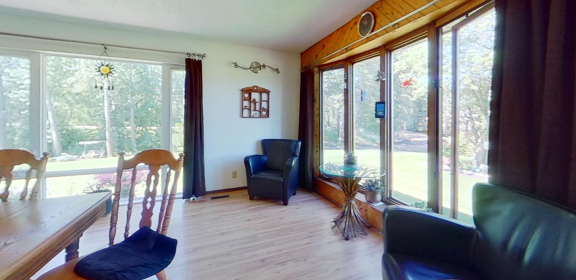 1300-Beachview-Cres-Living-Room-2.jpg