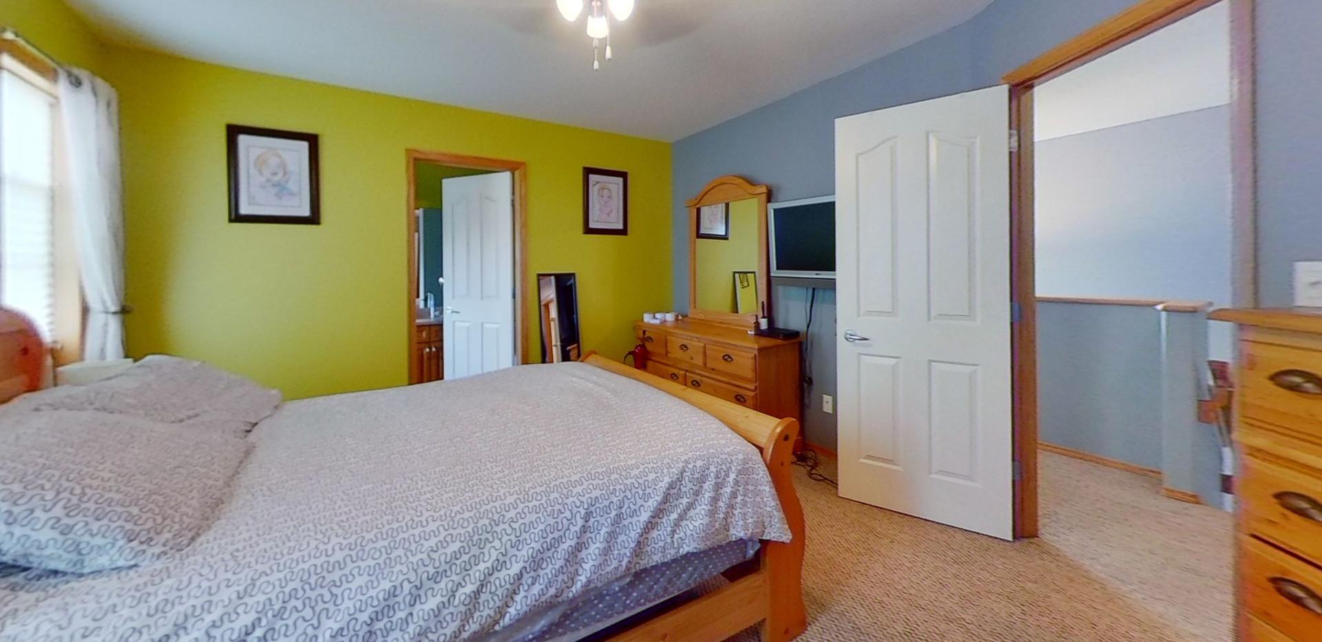 1143-Oakland-Dr-Bedroom-2.jpg