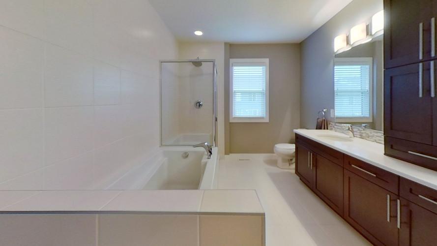2229-Calhoun-Link-SW-Bathroom.jpg
