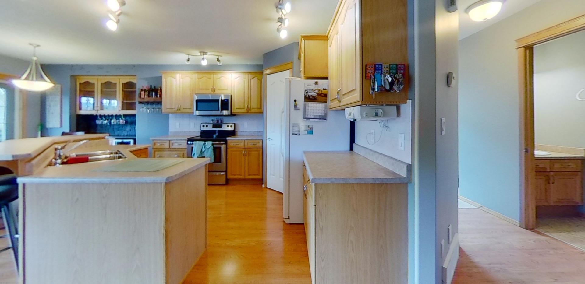 1139-Oakland-Dr-Kitchen.jpg