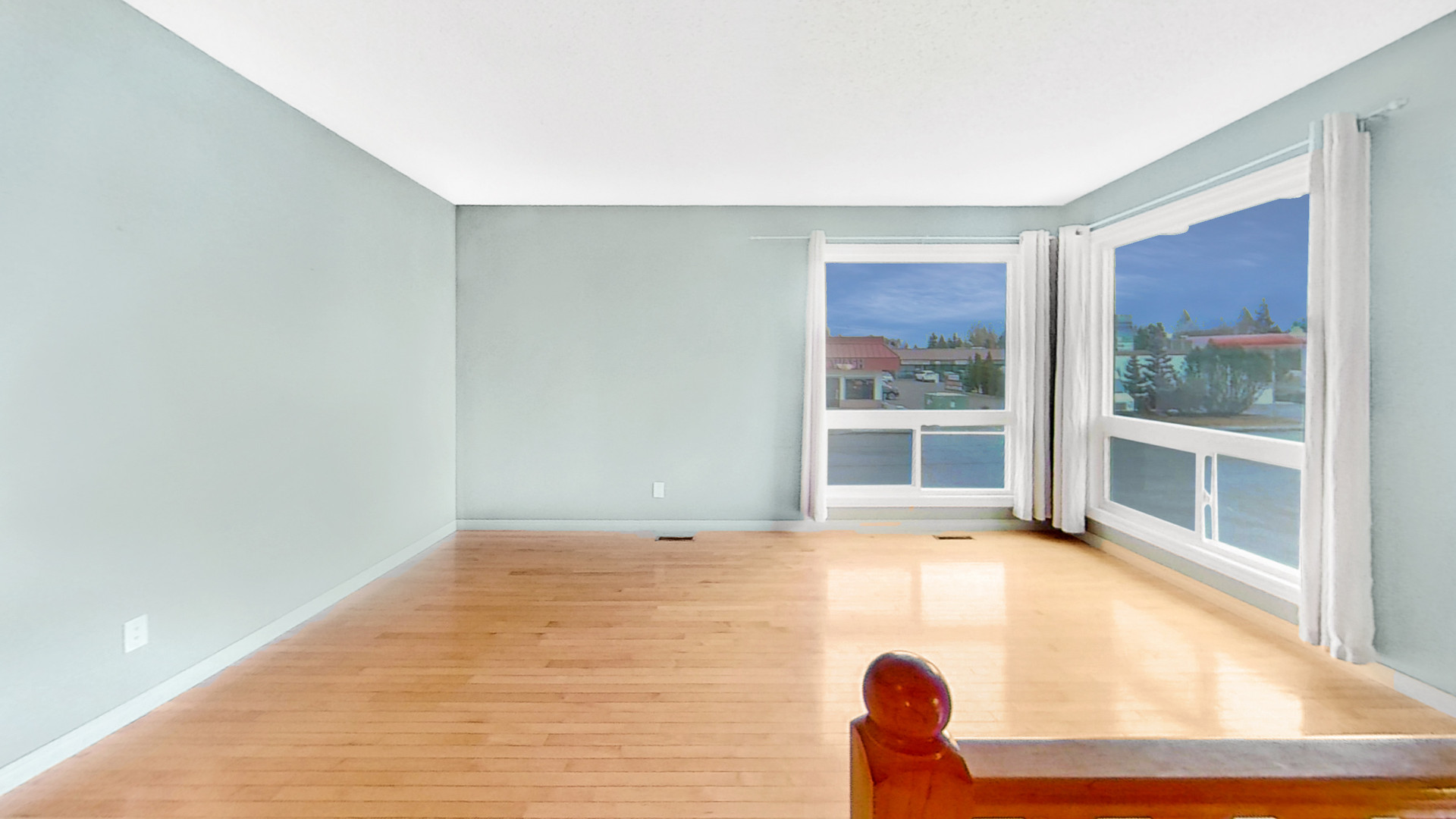 8846-3503-43-Ave-Unfurnished.jpg