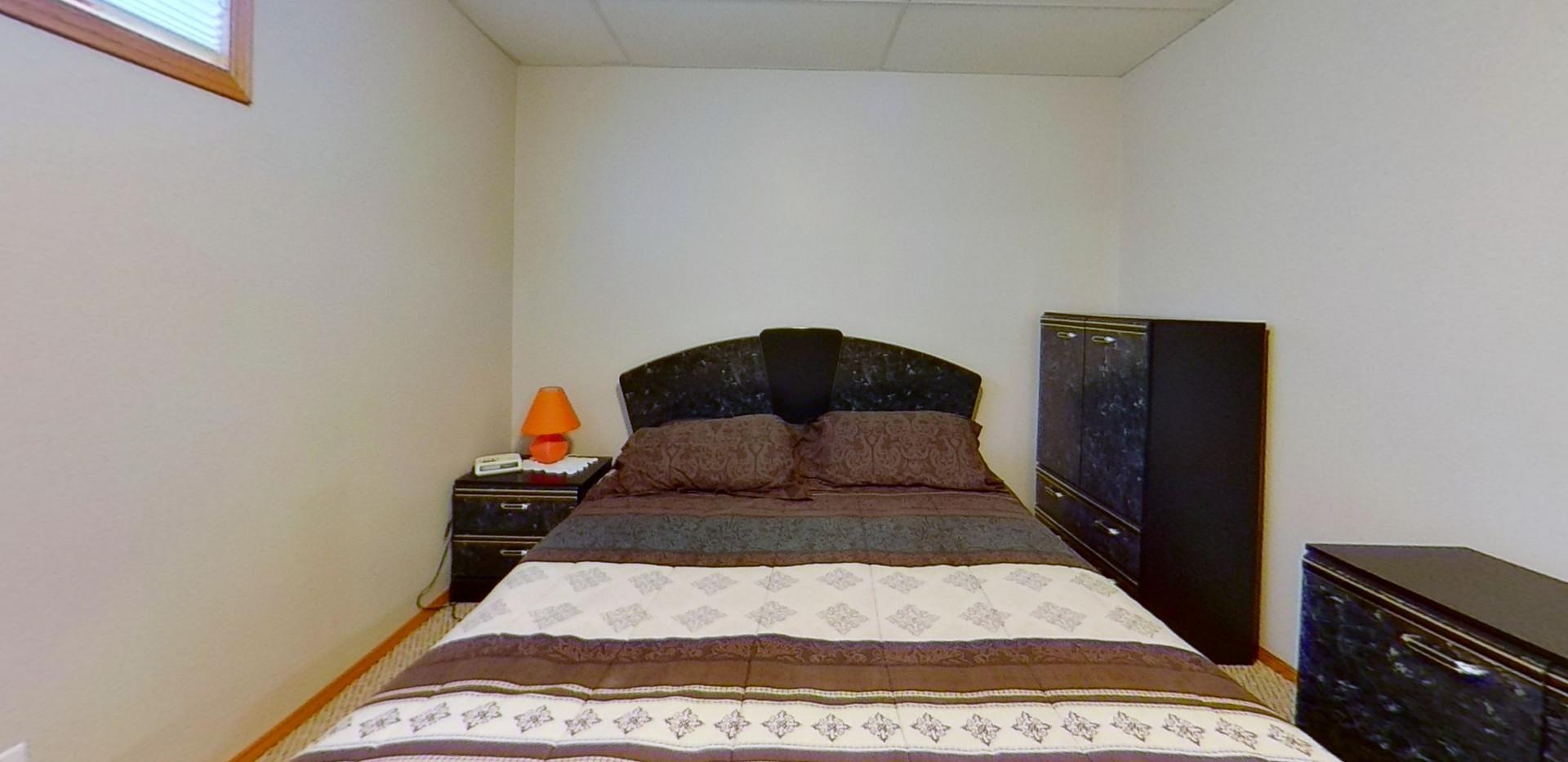 1143-Oakland-Dr-Bedroom-6.jpg