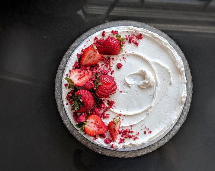 hansbakes - Strawberry Cake.jpeg