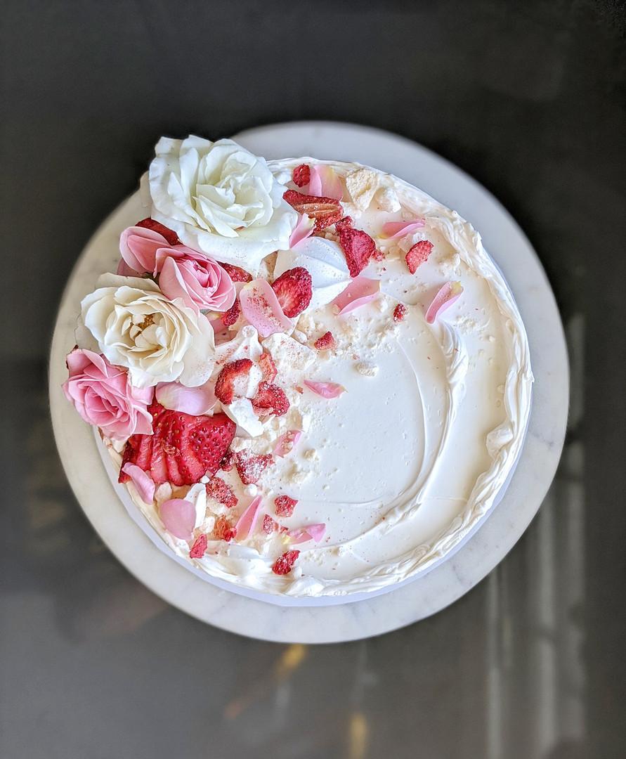hansbakes - flowers + meringues.jpeg