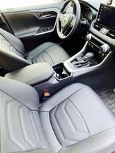 Toyota RAV4 istmekatted.jpg.jpg