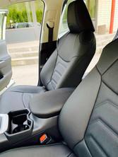 Toyota RAV4 istmekatted.jpg