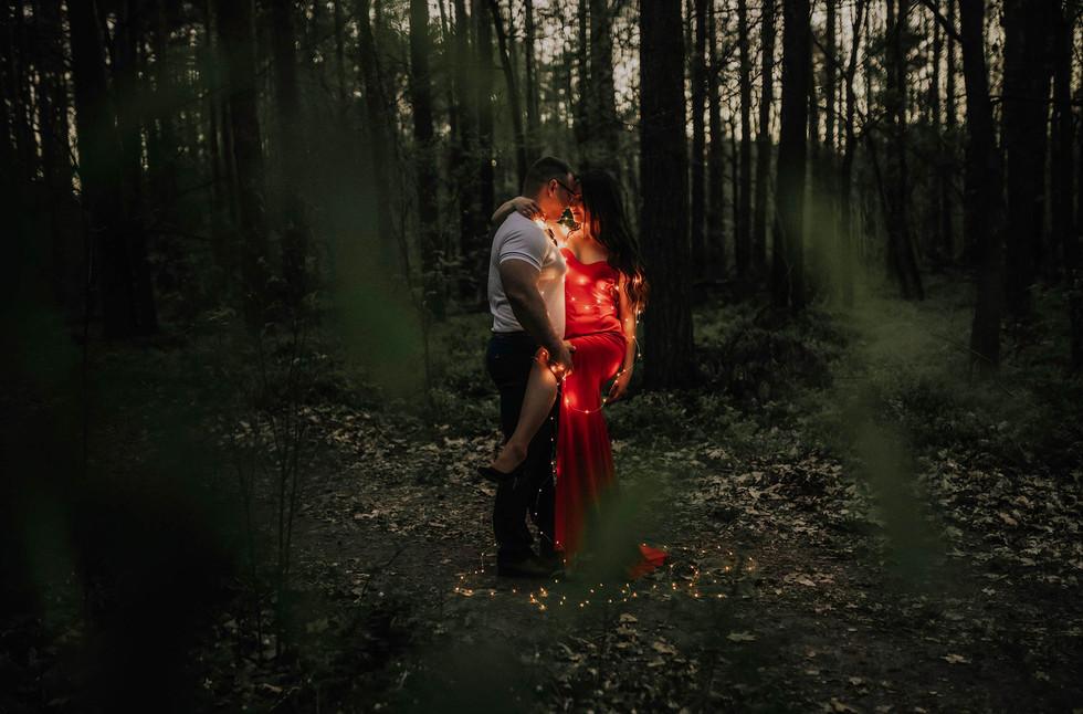 sesja-narzeczenska-w-lesie.jpg