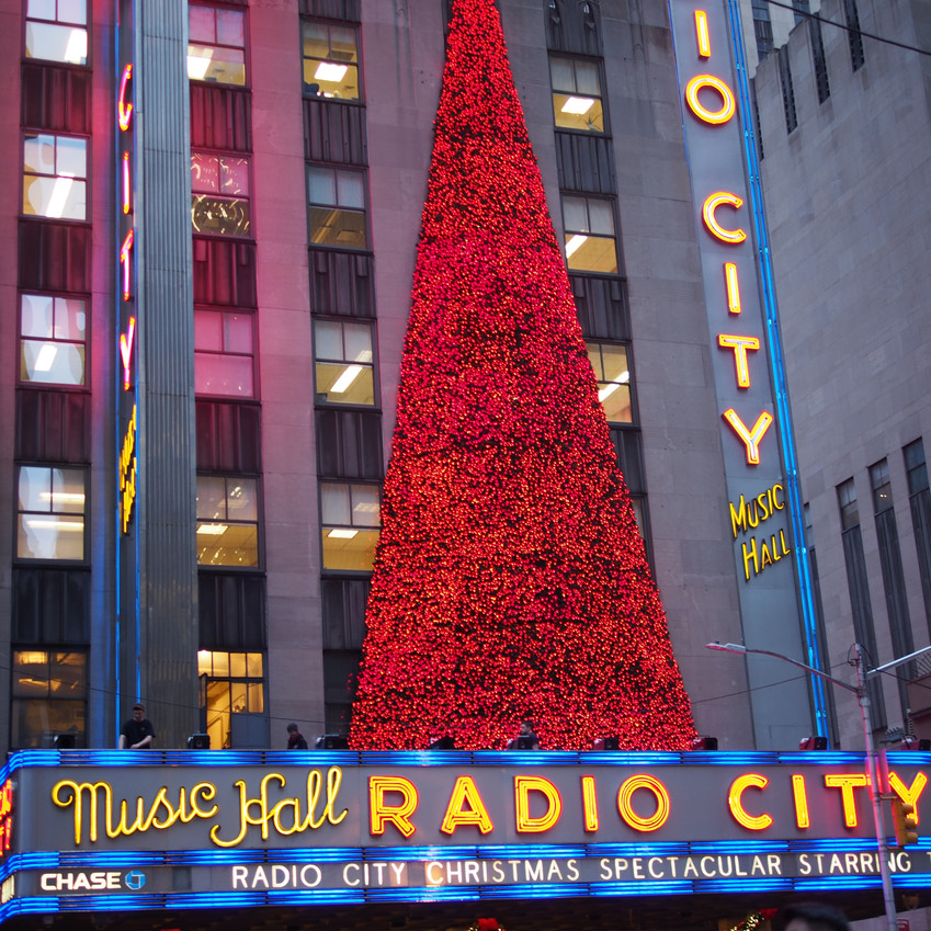 It's Christmas time, in the city