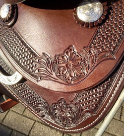 A_Saddle Punzierung