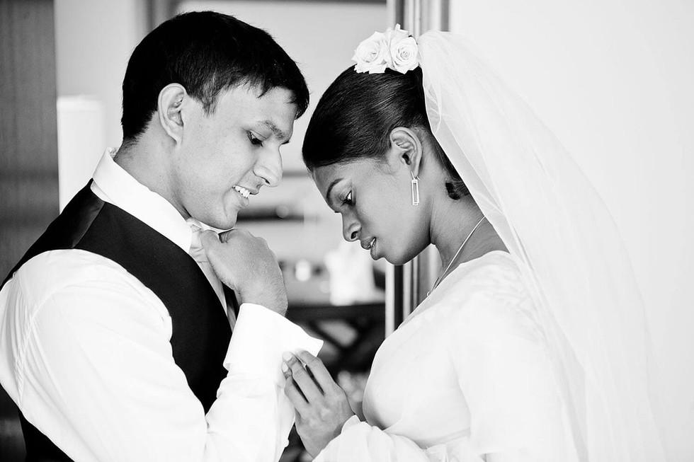 Wedding photography Tasmania, couple share a moment