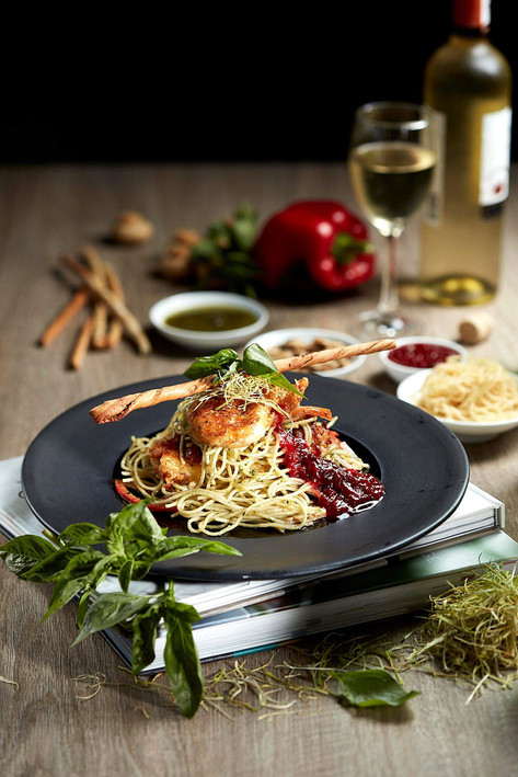 Food photography, chicken and spaghetti with white wine