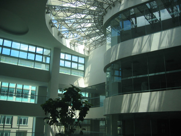 03b-atrium-with-opening-to-thermal-flue