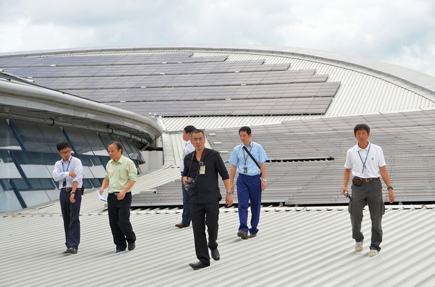02-roof-solar-photovoltaic-panels-with-e