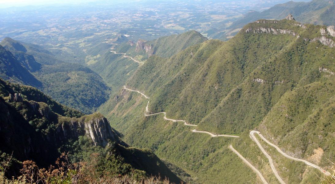 Panorama_Serra_do_Rio_do_Rastro_estrada_