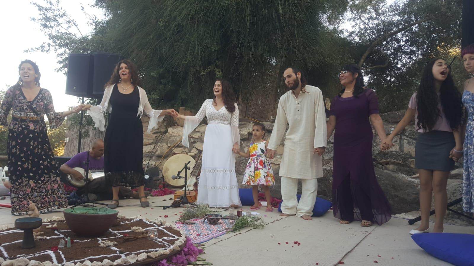 הצילום בחתונה היה של חברים