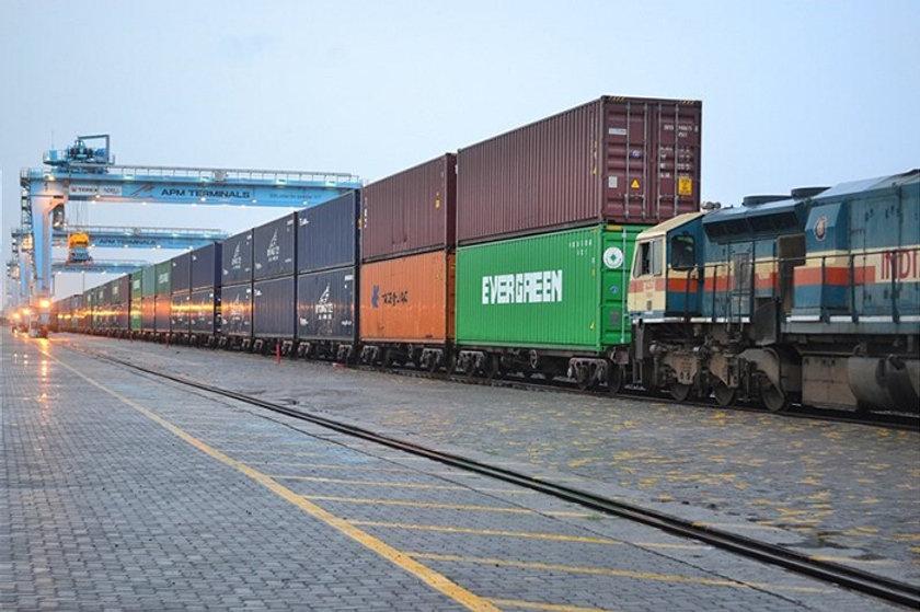 India rail freight Concor.jpg