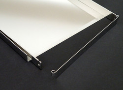 Lyo Tray with Pivoting Gate