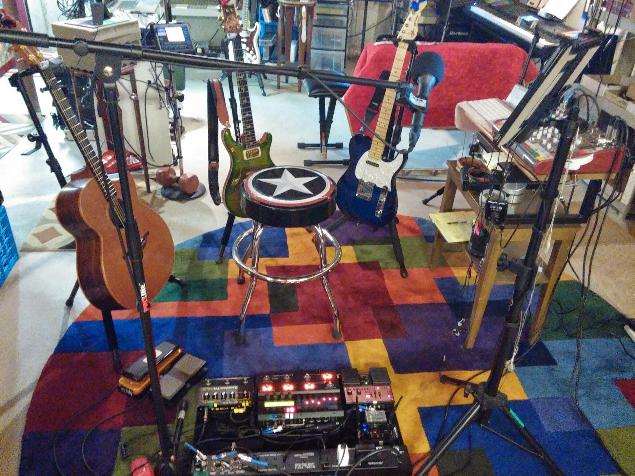 Many Guitars & Pedalboard IMG_20140924_104534.jpg
