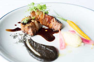 石垣島産 南ぬ豚のロースト 琉球宮廷料理 「ミヌダル」のリスペット