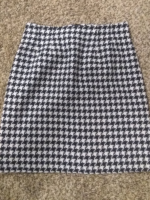 Vintage Houndstooth skirt (Size 10) See measurements