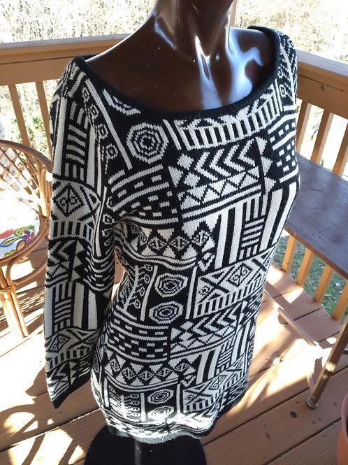 Black & Cream tribal print sweater (M)