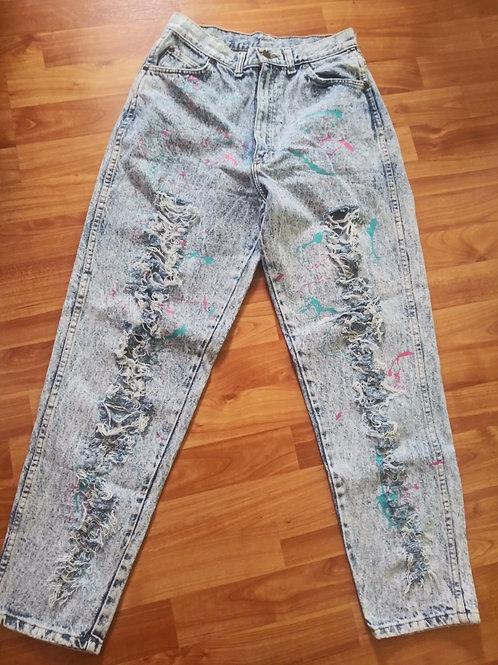 Vintage hi waisted acid washed jeans (26 inch waist)