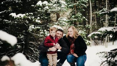 winter happy family photographer.jpg