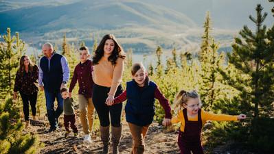 Outdoor colorado family.jpg