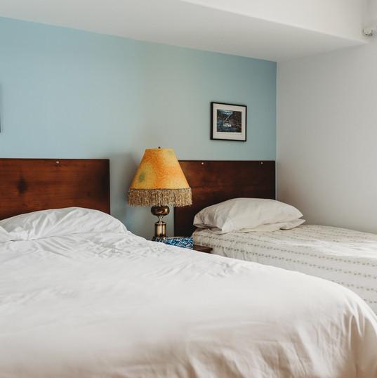 Room 210 - Superior Queen Suite