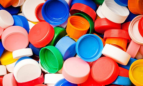 importance-of-removing-lids-from-bottles