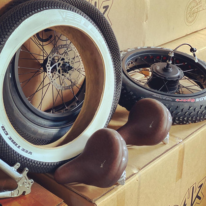 Ebik Whitewall tires and seats.JPG