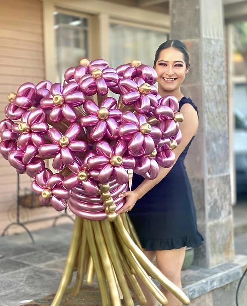 Ramo de Flores Deluxe + Caja de Bombones