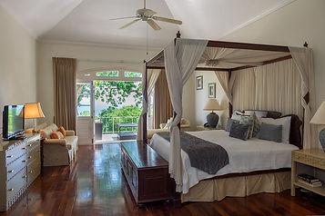 villas of distinction bedroom.jpg