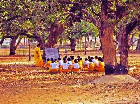 The Deforming Reform: Education in 18th Century India