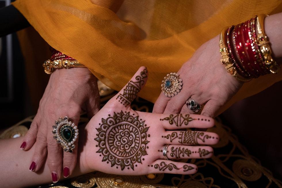 Reenu Henna_23 hands redone.jpg
