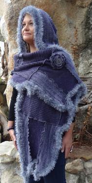 Capuche-écharpe violette et grise
