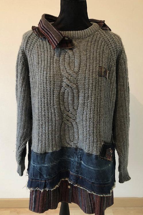 Pull hiver chaud et original. Col chemise destructuré