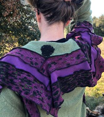 Gilet grand col fantaisie, vert et violet