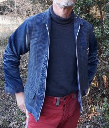 Veste Tweed bleue et Jean's.