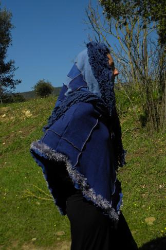 Poncho court, patchwork bleu