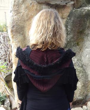 Capuche écharpe noire et bordeaux