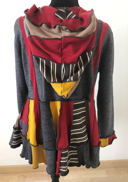 Pull gris, rouge, moutarde, rayures à ca
