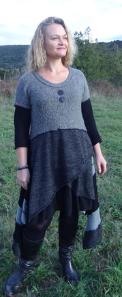 Robe grise manches courtes